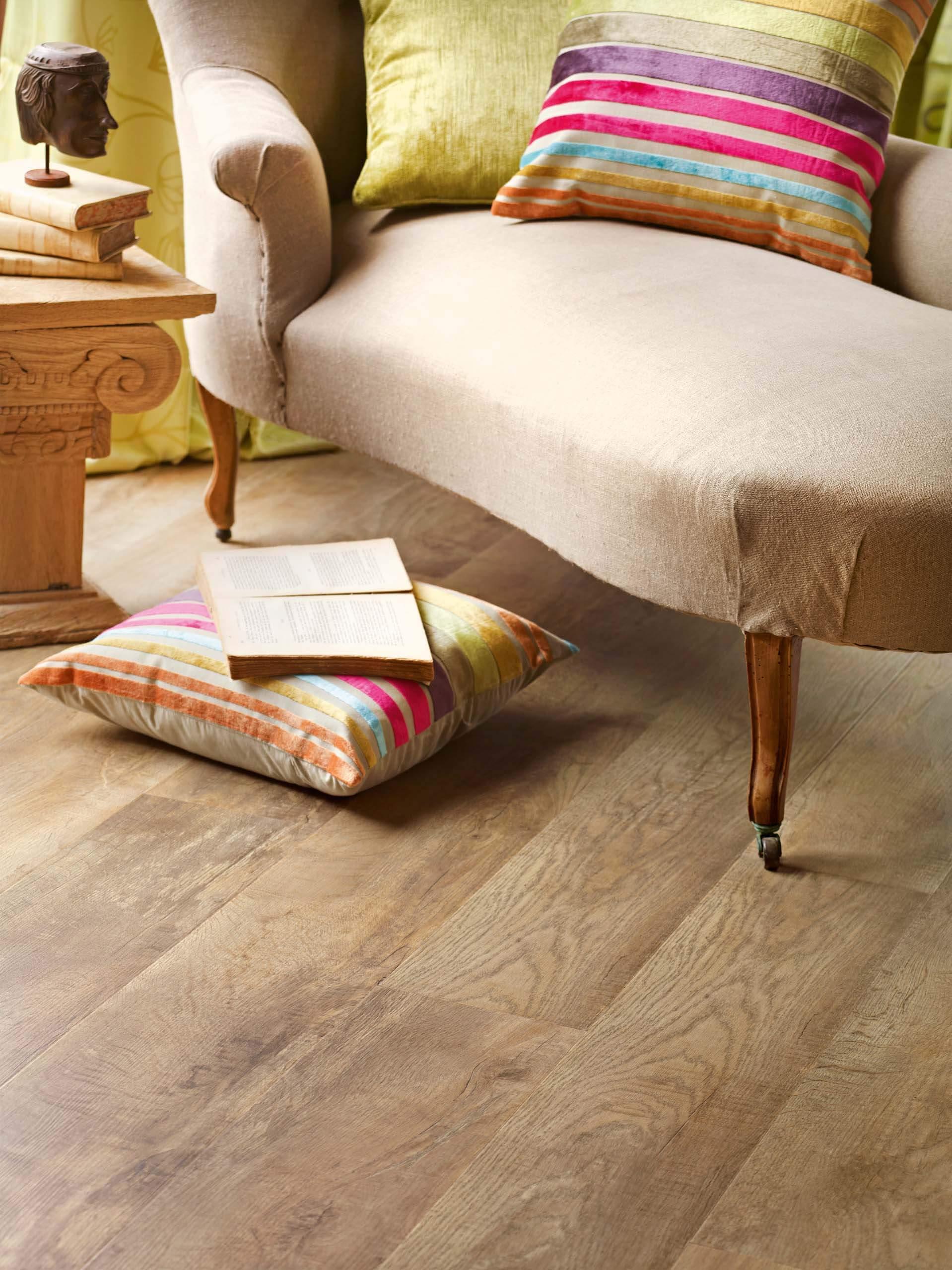 country oak wood effect luxury vinyl flooring moduleo