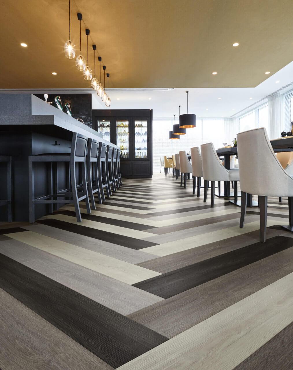 Verdon Oak 24962 Wood Effect Luxury Vinyl Flooring Moduleo
